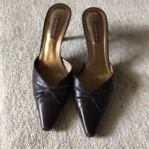 Brown Antonio Melani kitten heels